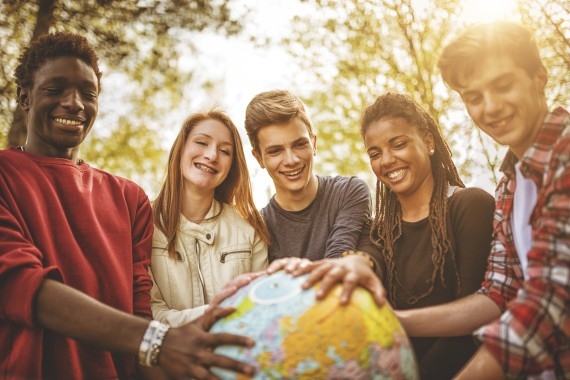 6 Multilingual Benefits That You Only Get If You Speak Another Language