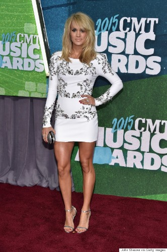 Carrie Underwood Is A Knockout At CMT Music Awards