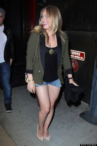 Hilary Duff's Legs On Full Display In Shorts Shorts (PHOTOS)