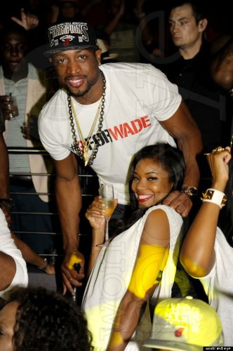 Miami Heat Celebrate At Club Story: LeBron James, Dwyane Wade, Chris Bosh Party With Drake (PHOTOS, VIDEO)