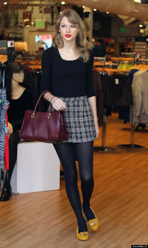 Taylor Swift Rocks A Short Skirt As She Runs Errands In Hollywood
