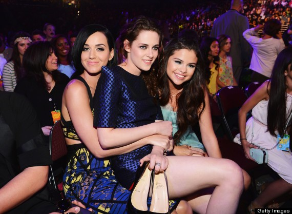 Katy Perry, Selena Gomez & Kristen Stewart Hang Out At The Kids' Choice Awards (PHOTOS)