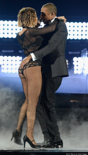 Beyonce Grinds On Jay Z While Singing 'Drunk In Love,' Is Hella Sexy