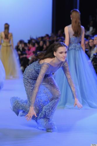Model Fall At Elie Saab Show Has Us Cringing (PHOTOS)