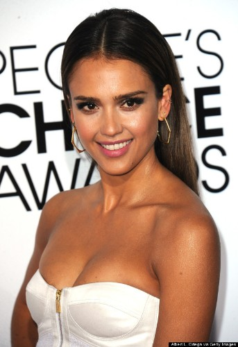 Jessica Alba Stuns In White Strapless Dress At People's Choice Awards