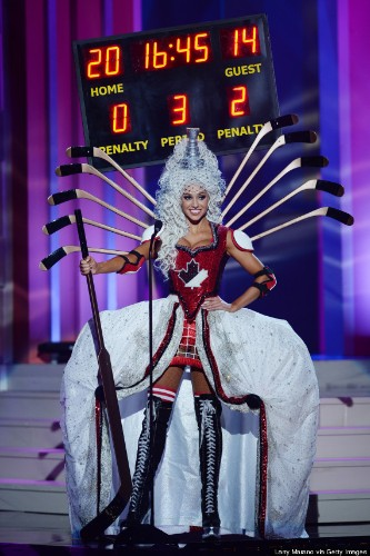 Miss Canada's Hockey-Themed Miss Universe Costume Is Totally Bonkers