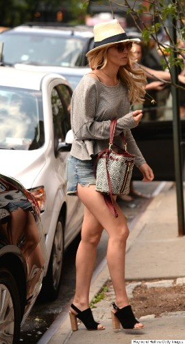 Jennifer Lawrence Rocks Short Shorts For Apartment Hunting In NYC