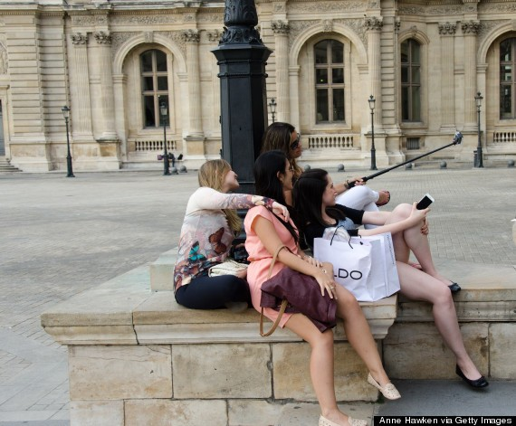 10 Lies Everyone Tells You About Paris