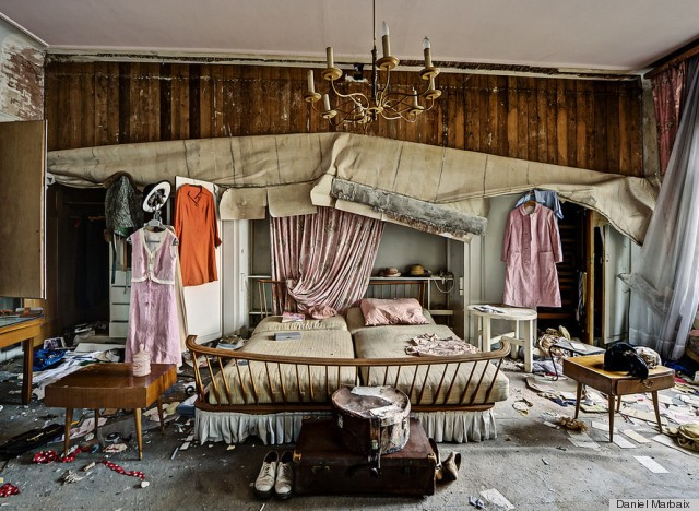 Abandoned Doctor's House Photos Reveal The Past Lives Of A Mansion (PHOTOS)