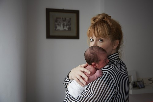 The Fourth Trimester - Why Newborns Hate Being Put Down