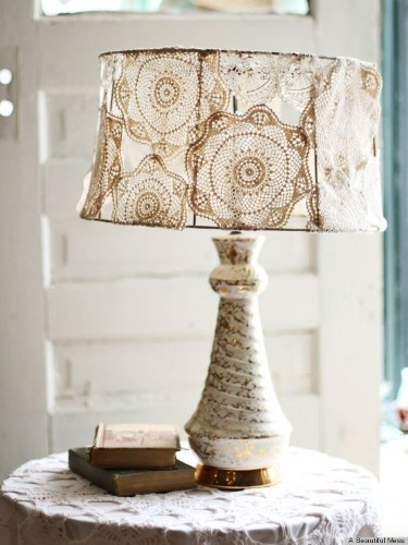 9 DIY Lampshade Ideas That Will Personalize Your Bedside Table (PHOTOS)
