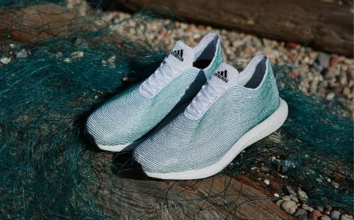 阿迪达斯 3D 打印了一款酷炫跑鞋,但材料有点出人意料