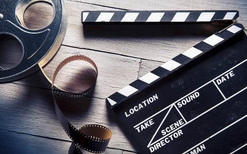 """当行业开始鼓吹""""叫好""""与""""叫座""""不可兼得时,电影的评价体系仿佛被生硬地割裂成为商业和艺术两个维度。"""