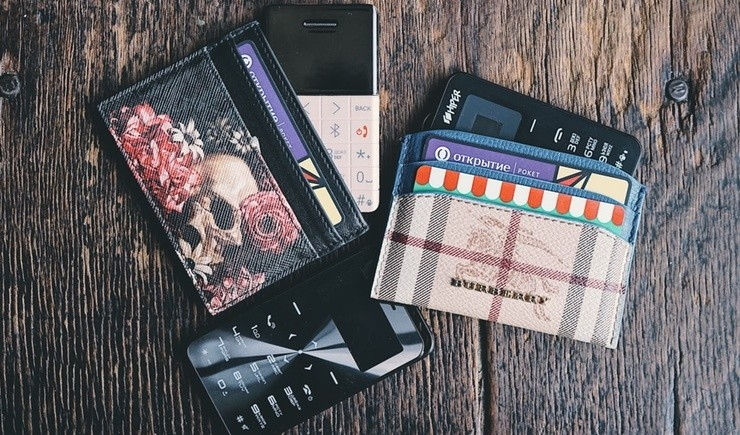 Обзор HIPER sPhone. Почему вам нужен телефон размером с банковскую карту