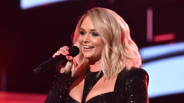 Miranda Lambert Full-On Shaded Blake Shelton During Her ACM Awards Performance, and the Internet Is Shook