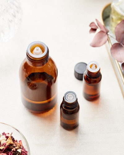 How to Use Essential Oils for Migraines