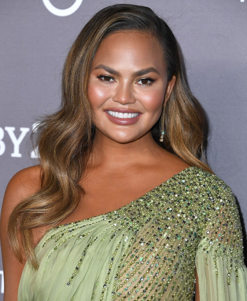 Chrissy Teigen's New Shag Is the Haircut Everyone Is Asking for this Winter