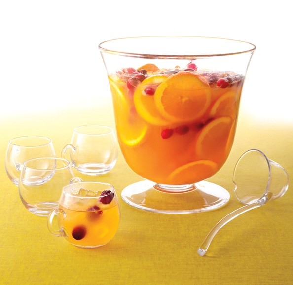 Spice Up Your Holiday Party With Our Favorite (Spiked) Cranberry Punch Recipe
