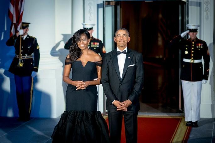 "Michelle Obama Says Barack Obama Was a ""Bum"" in High School"