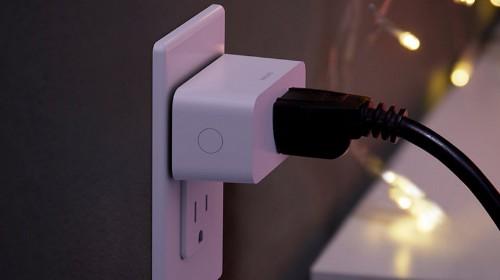 Philips Hue Reviews: Lightstrip Plus & Hue Smart Plug