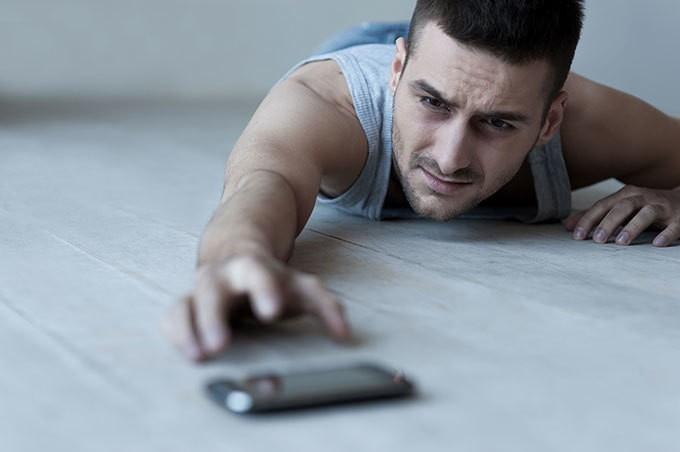 Suffering from iPhone Separation? Research Shows Your Suffering Is Real