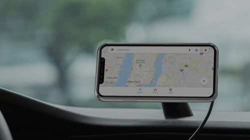 Magnetic Car Mount: An Attractive Wireless Charger from Moshi