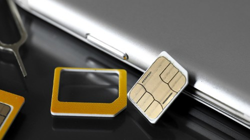 How to Switch Sim Cards on the iPhone