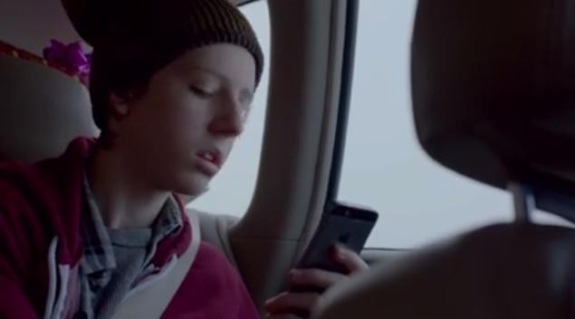 Apple Airs Touching Holiday Commercial
