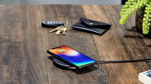 9 Best Qi Wireless Chargers for iPhone 8, 8 Plus & iPhone X