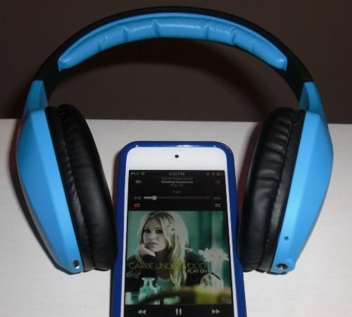 Rock with Coda Forte Bluetooth Headphones by iFrogz Audio