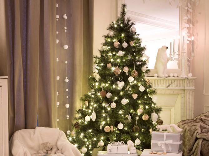Sapin de Noël : quel style déco choisir cette année? - Elle Décoration