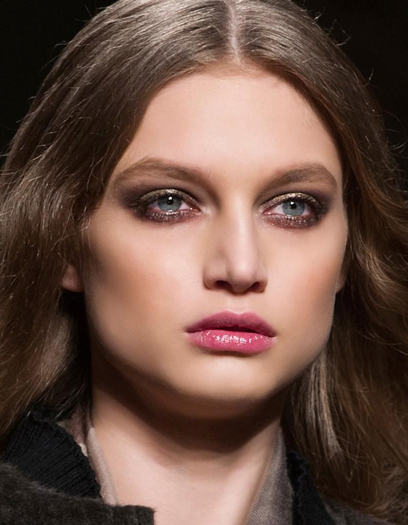 Maquillage métallisé : 20 façons de porter le maquillage métallique - Elle