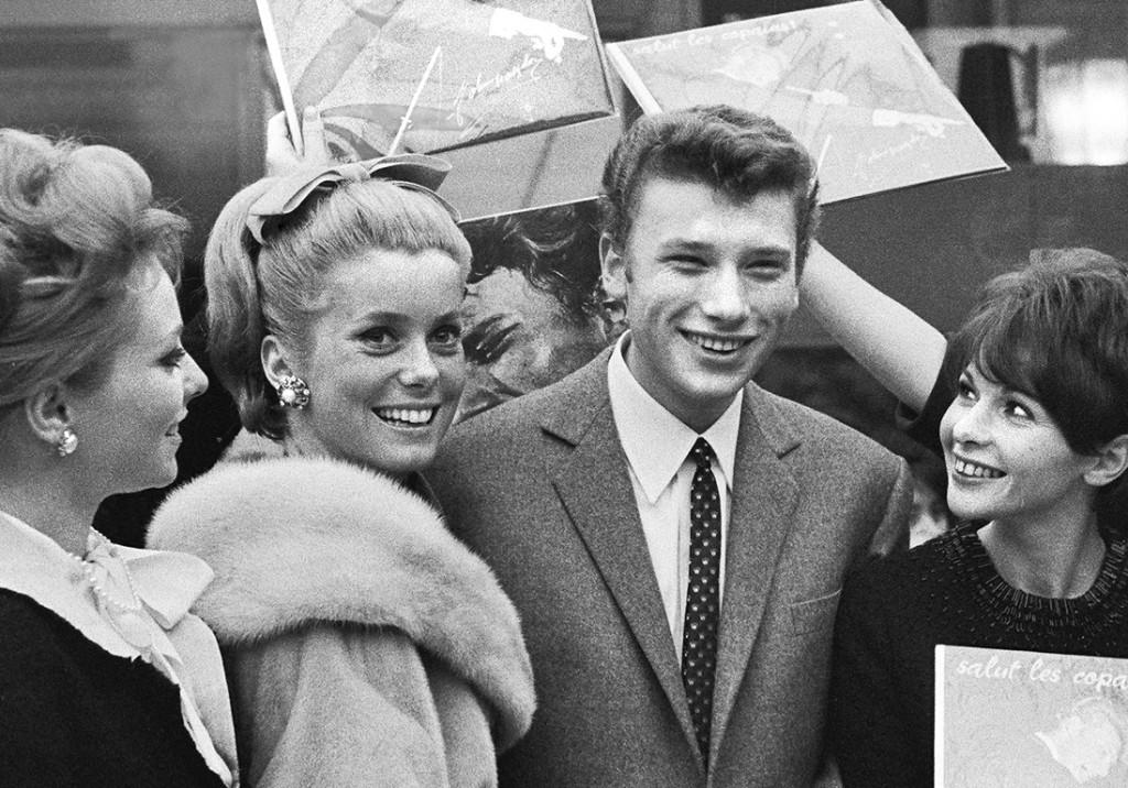 Catherine Deneuve et Johnny Halliday : la vérité sur leur relation cachée qui a durée des années - Elle