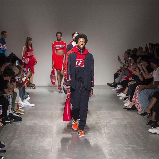 La Fashion Week Homme de Londres, prévue en janvier 2021, annulée - Elle