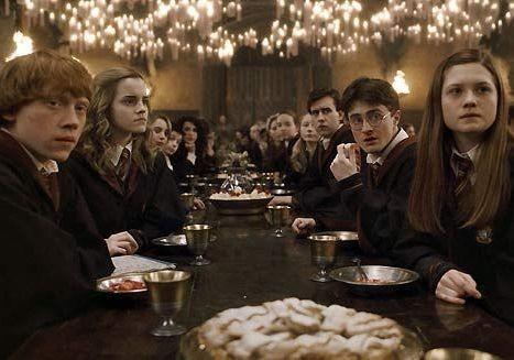 Une actrice d'Harry Potter raconte son accouchement 'humiliant et terrifiant' - Elle