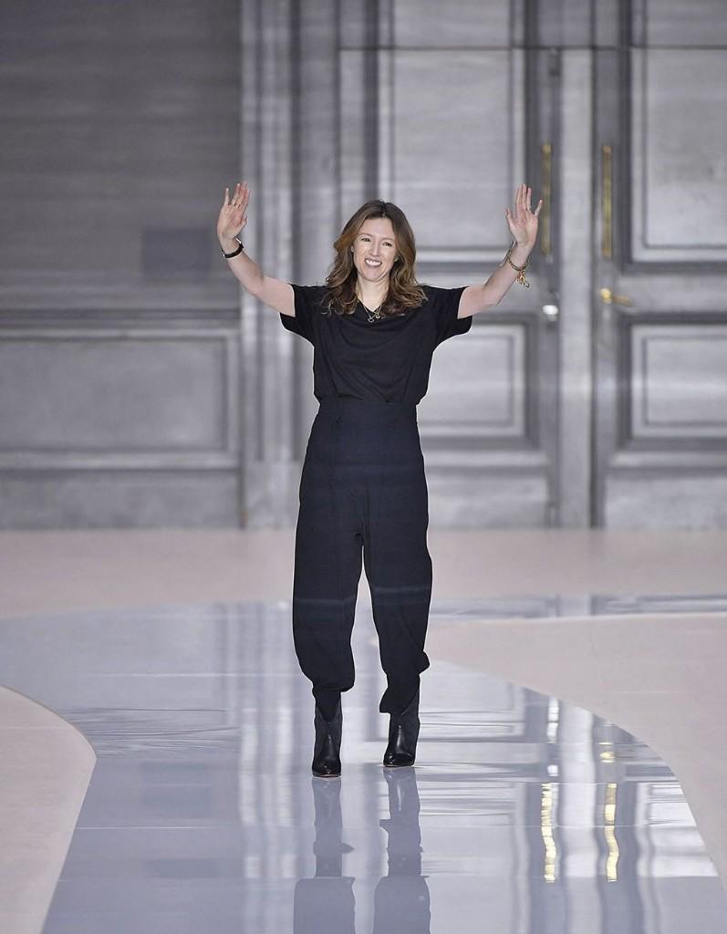 Clare Waight Keller, directrice artistique de Givenchy, quitte la maison française - Elle