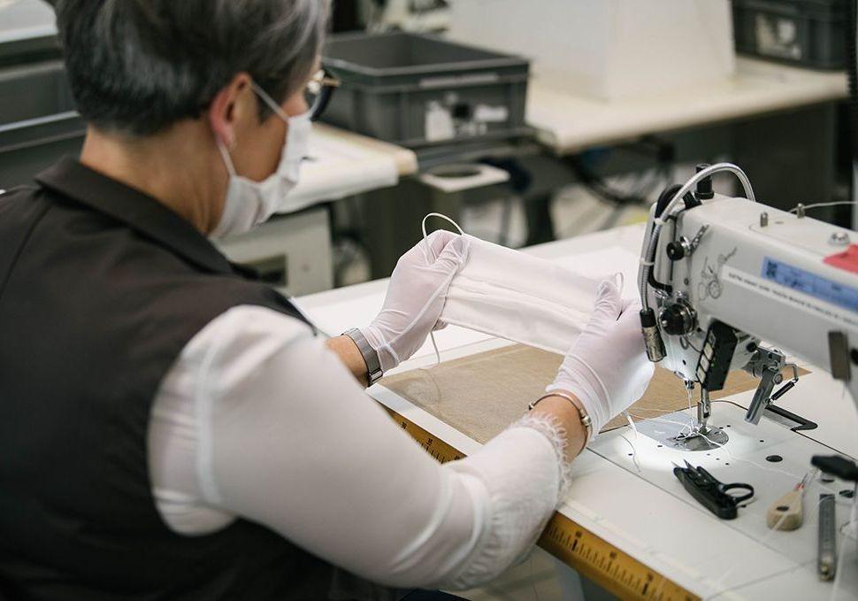 Louis Vuitton mobilise ses ateliers pour la production de centaines de milliers de masques - Elle