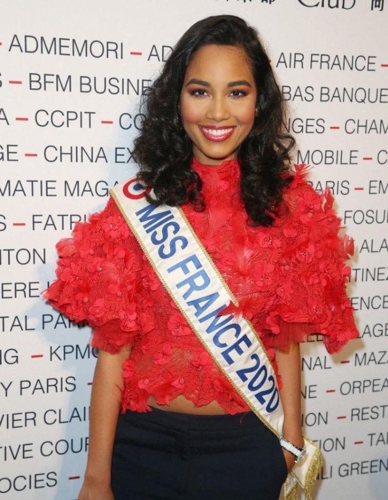 Clémence Botino (Miss France 2020) : un incendie mortel s'est déclaré dans son immeuble ! - Elle
