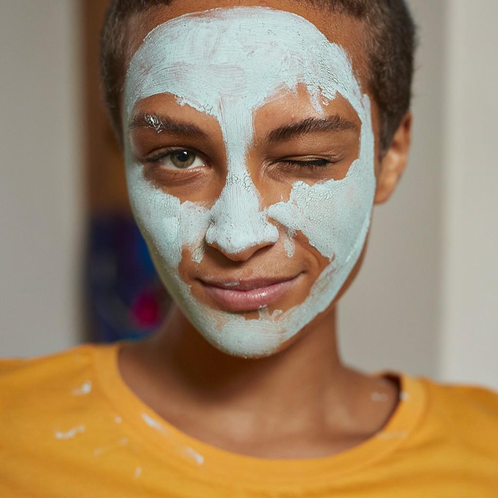 Vrai / faux : les idées reçues sur l'acné - Elle