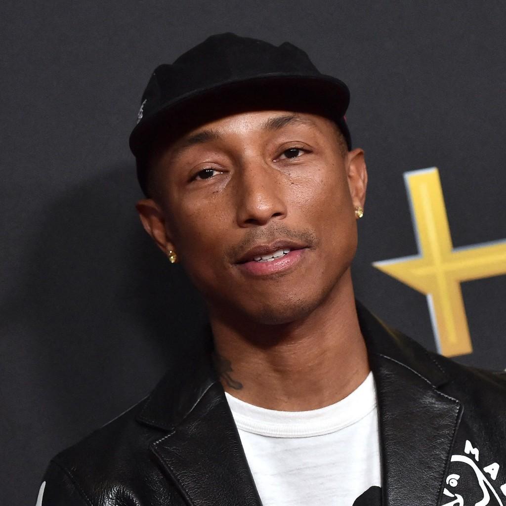 Adidas s'associe à Pharrell Williams pour la création de 5 nouveaux maillots de football - Elle