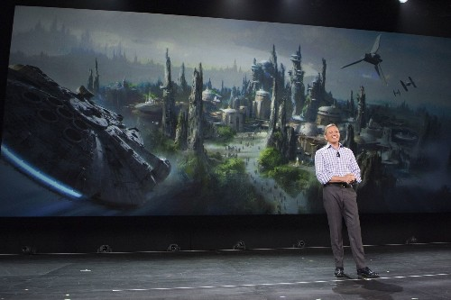A 'jaw-dropping' new world of 'Star Wars' is heading to Disney parks - Los Angeles Times
