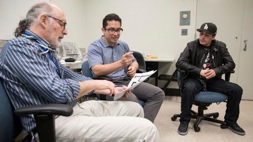 Doctors turn to the power of peer groups to help diabetics