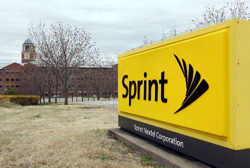 How Sprint's Family Share Pack plan compares to AT&T, Verizon, T-Mobile