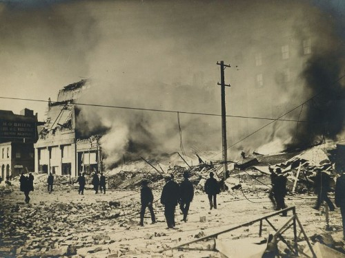 Photos of San Francisco after great earthquake of 1906 are sold at auction