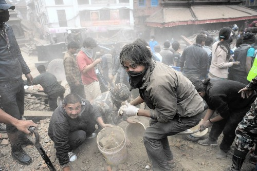 Katmandu's poorly constructed buildings worsen quake outcome - Los Angeles Times