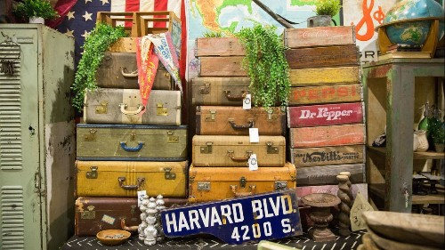 Party like a junker: Vintage market returns to town