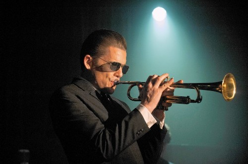 'Born to Be Blue' strikes right tone telling a basic yet insightful Chet Baker story - Los Angeles Times