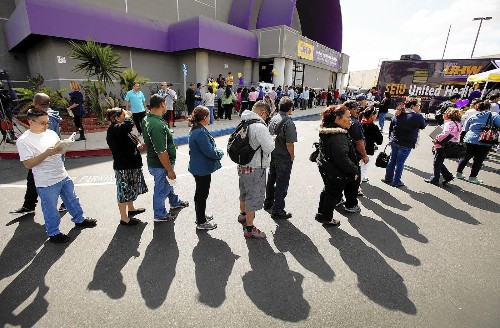 Number of Americans without health insurance reaches new low - Los Angeles Times