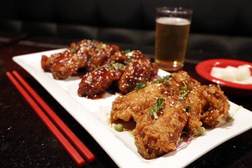 Love Korean fried chicken wings? Arcadia's Hot n Sweet makes 'em light and airy. Here's a recipe.