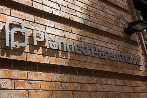 Antiabortion activists who videotaped Planned Parenthood allegedly used fake licenses